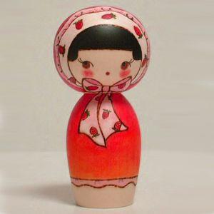 Kokeshi Jeunes filles  Strawberry (14cm)